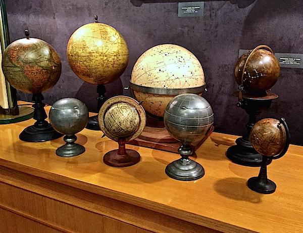 Maison Gerard globes