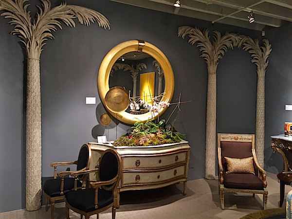 Newel vignette with Palms