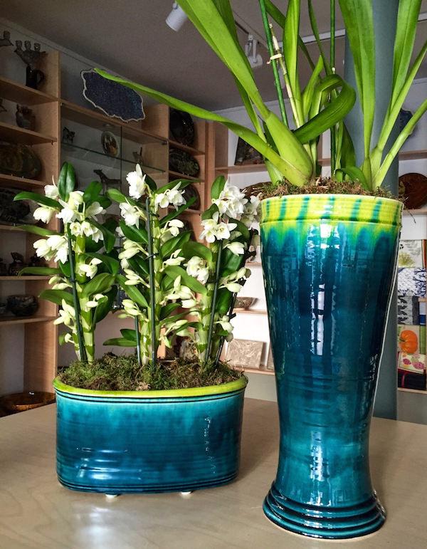vases at La Tuile a Loup