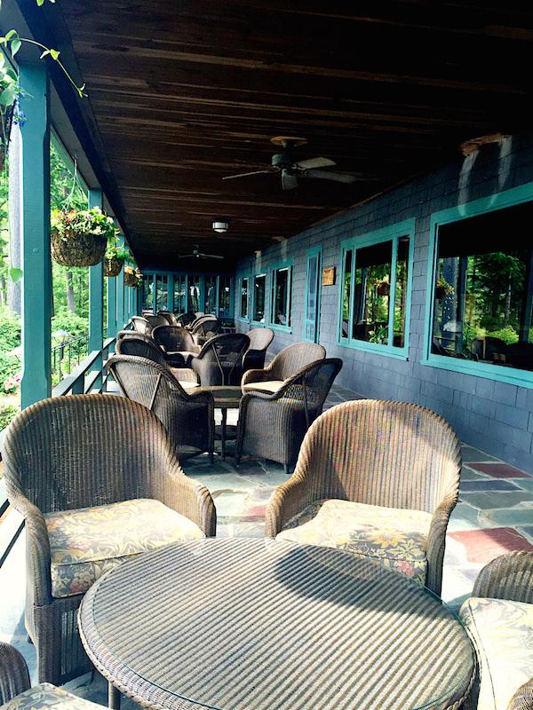 Migis Lodge veranda