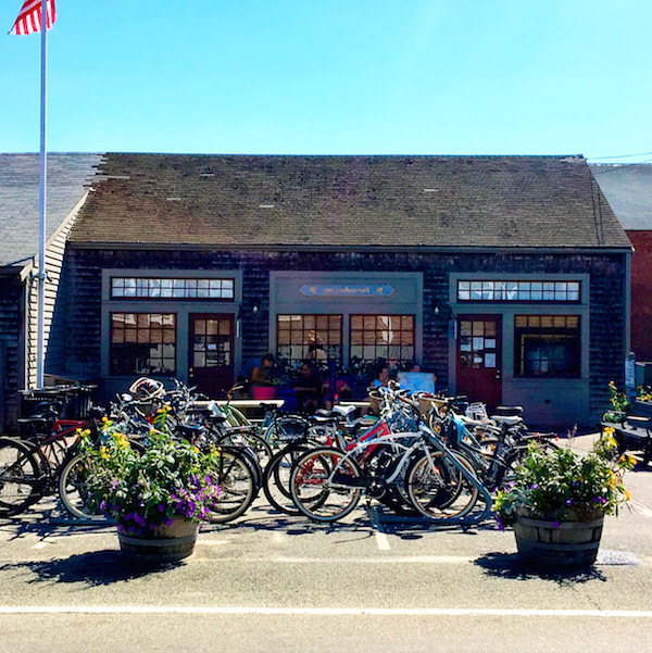 Remain Nantucket - bus stop hub