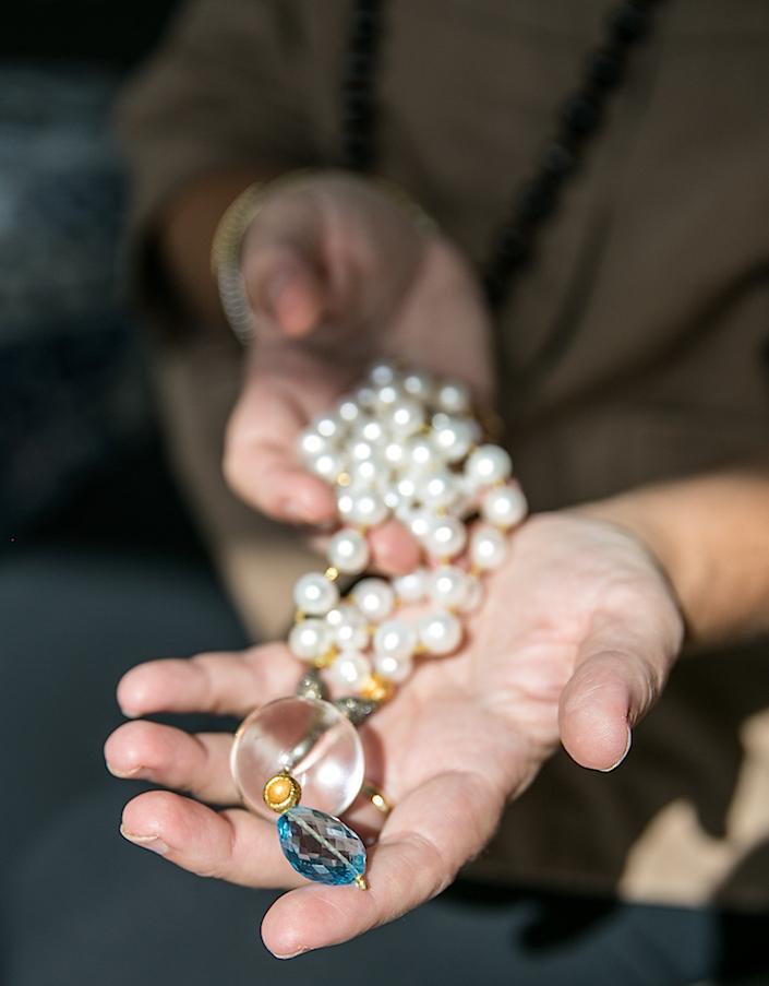 stellene-volandes-janis-provisor-necklace