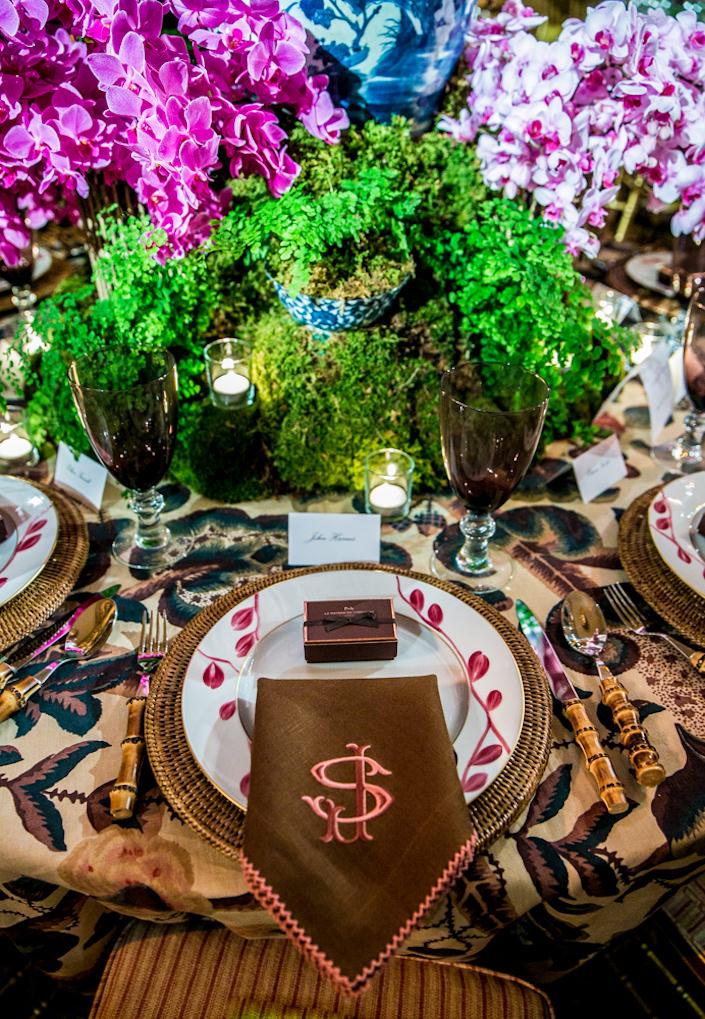 Shelley Johnstone Orchid Dinner 2017 table