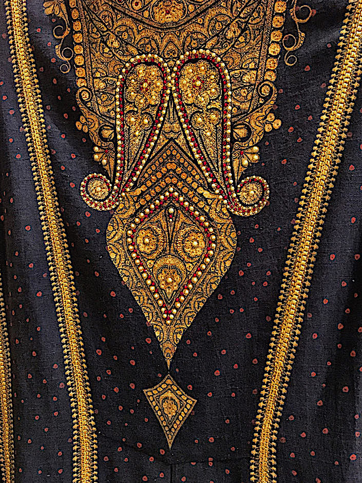 Tarun Tahiliani jacket detail embroidery