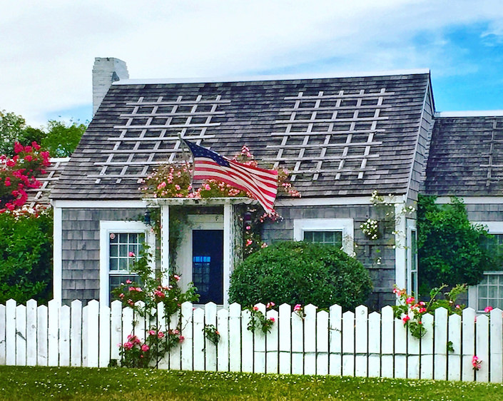 Nantucket cottage with roses via Quintessence