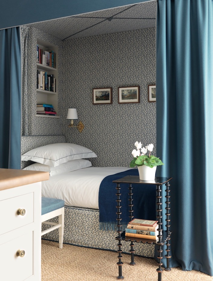 Veere Grenney bedroom using Schumacher Folly wallpaper and fabric