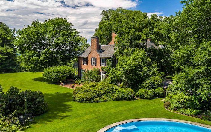 Hudson Pines pool