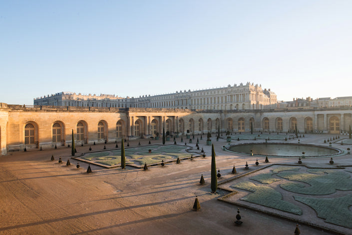 Versailles on a winter morning by Thomas Garnier