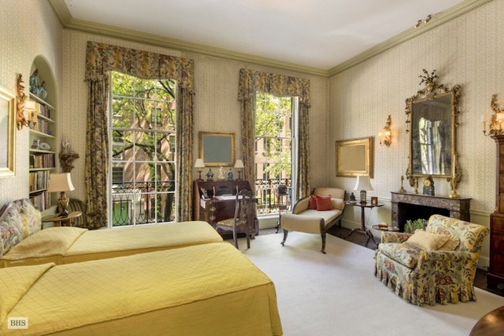 bedroom in Rockefeller NYC townhouse
