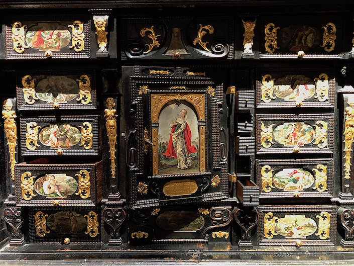 17th c, cabinet at Kunstkammer Georg Laue at TEFAF