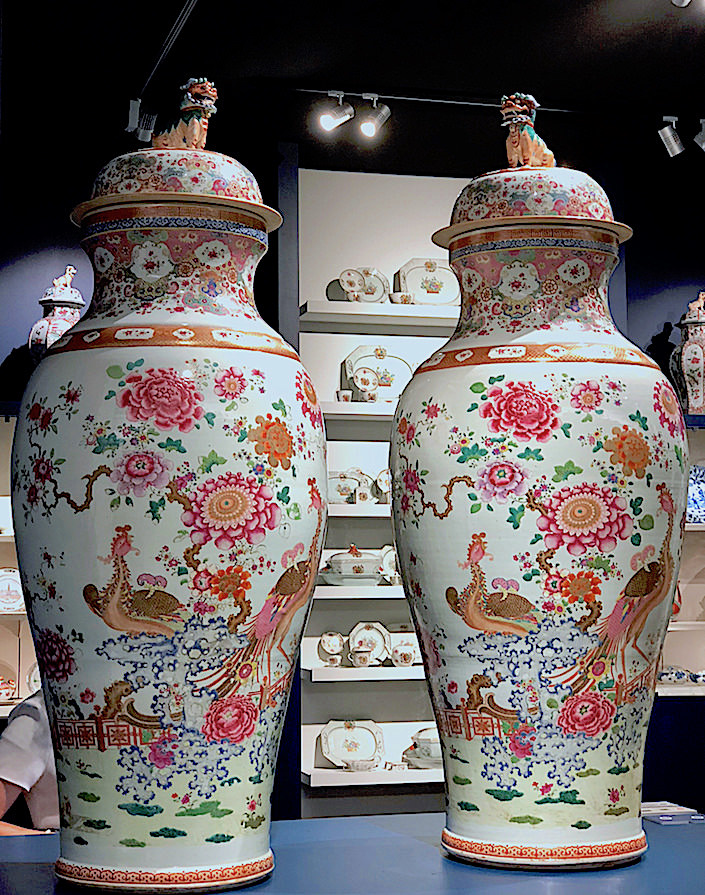 Qing dynasty Famille Rose vases from Jorge Welsh at TEFAF New York Fall 2017-1