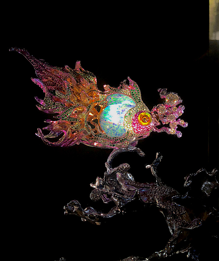 Wallace Chan Sea of Joy brooch at TEFAF New York Fall