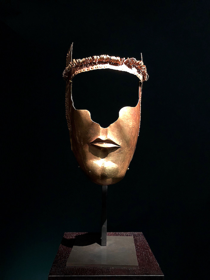 fourth century BC gold Thracian Ceremonial Mask from Ariadne Galleries at TEFAF New York Fall