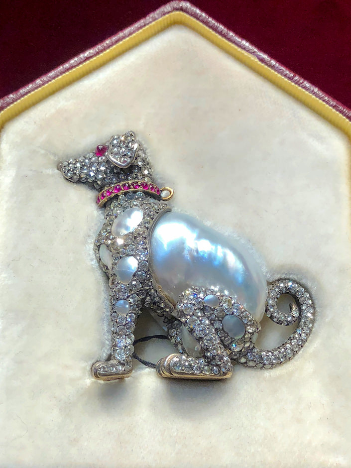 Russian dog brooch at A La Vieille Russie at the 2018 Winter Antiques Show