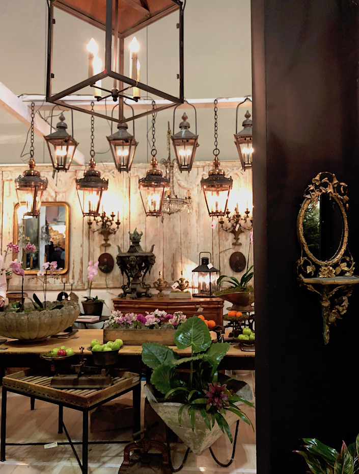 Artifacts lighting at 2018 Nashville Antiques show