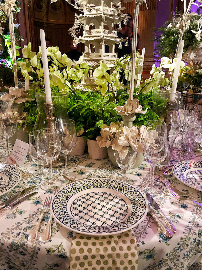 Cathy Kincaid Orchid Dinner table