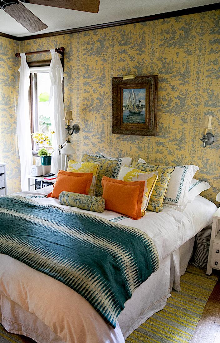 Lulu Powers guest room-1