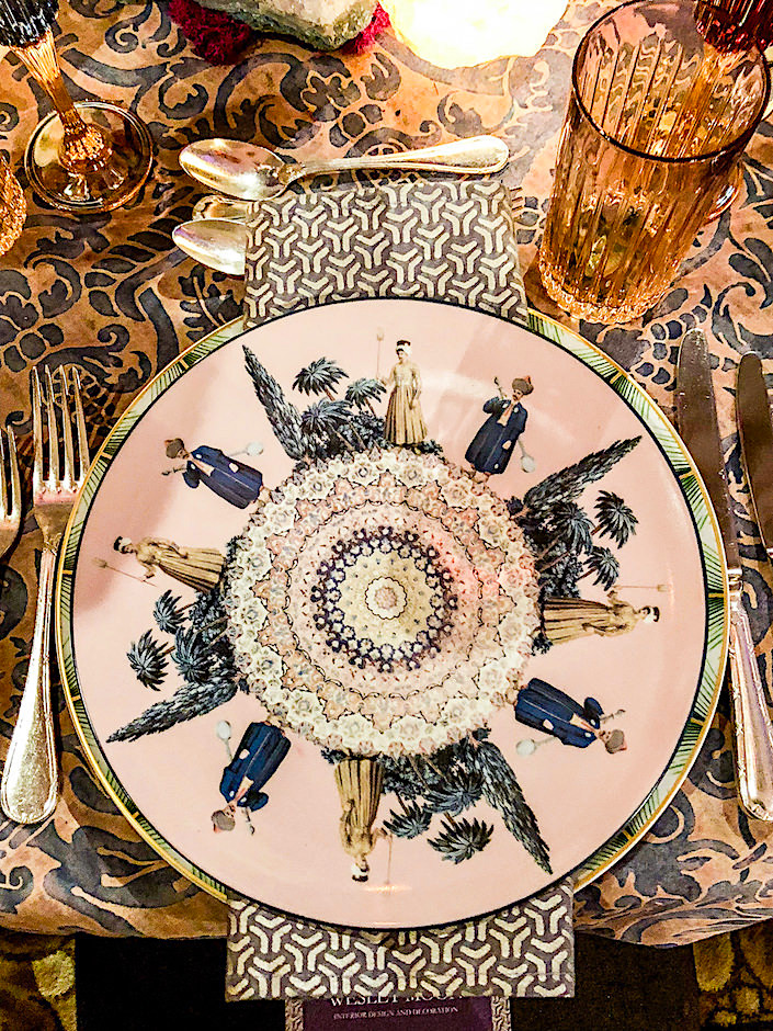 Wesley Moon Orchid Dinner table