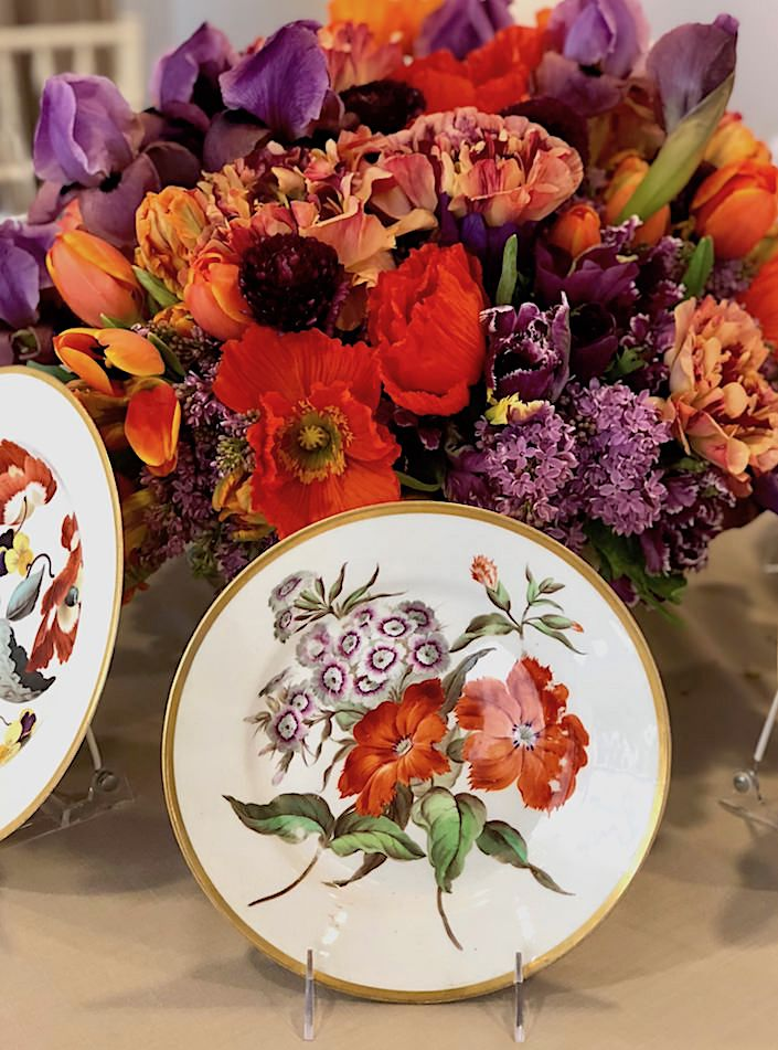 Kevin Sharkey floral arrangement with antique Derby porcelain at Christie's Martha Stewart lunch