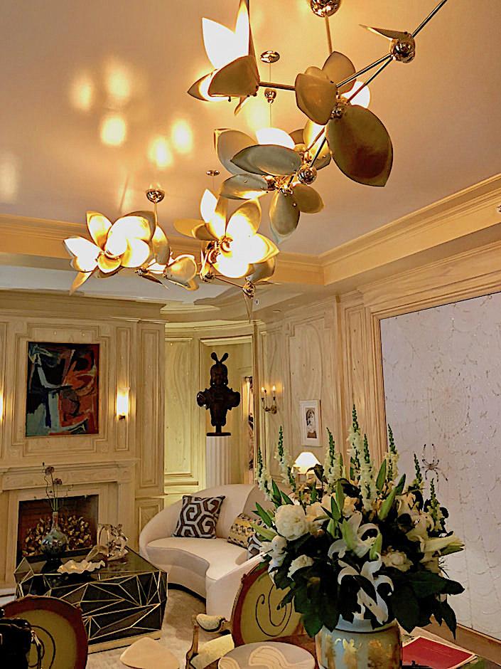Rosie Li chandelier in Bunny Williams Kips Bay living room