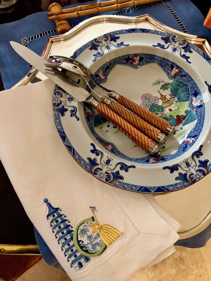 Setting the Table with Charlotte Moss chinoiserie