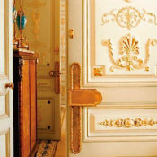 entrance to a Ritz Paris suite, photo Pascal Chevallier:Gamma-Rapha-1 copy-1