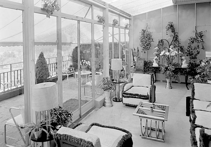 Rosario Candela designed Elizabeth Arden penthouse at 834 Fifth Avenue, looking north May 23, 1933. Photo by Samuel Gottscho. Museum of the City of New York, gift of Gottscho