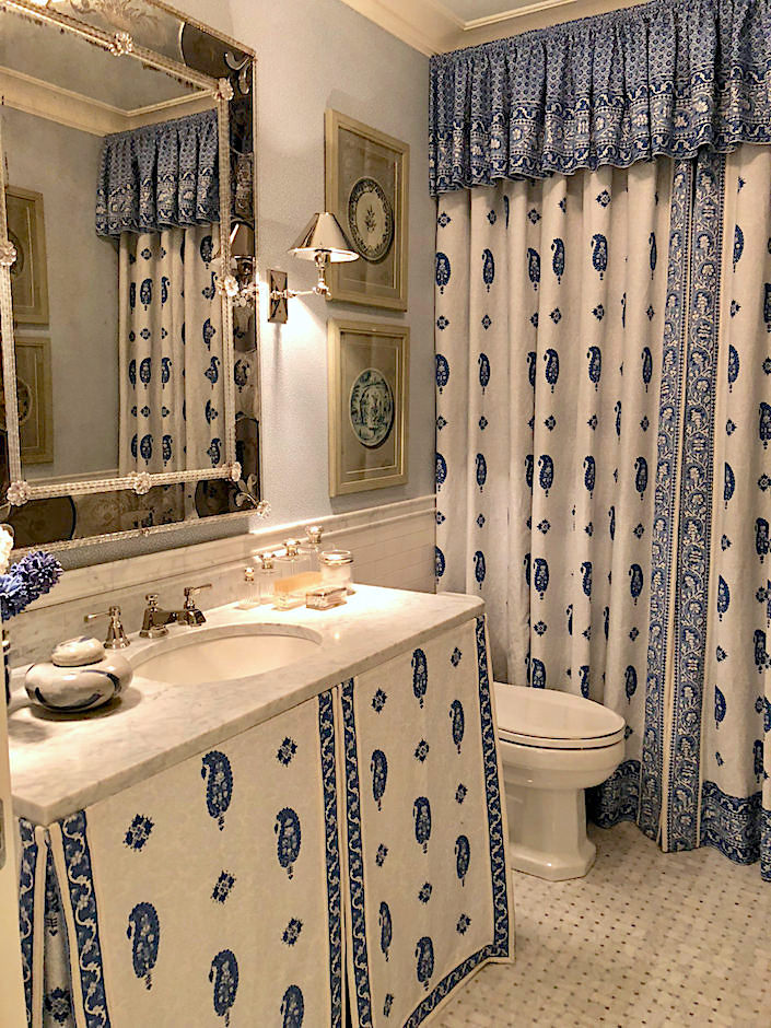 Mark D Sikes Kips Bay bathroom