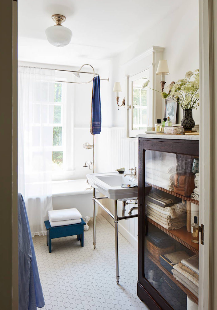 Andrew Fry and Michael DePerno master bath, photo by Laura Resen for Veranda