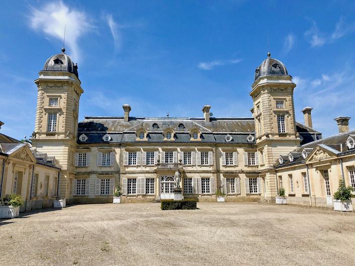 Timothy Corrigan Chateau de la Chevallerie-1
