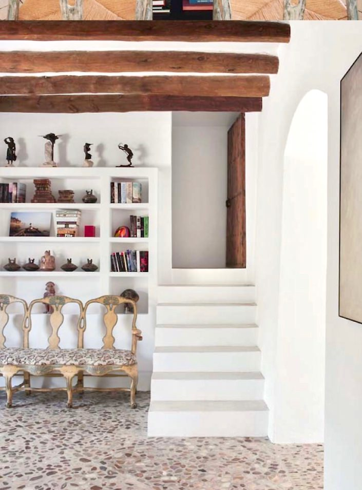 Entry at house on Mallorca, designed by Ramón García Jurado, photo by Montse Garriga Grau for House & Garden UK