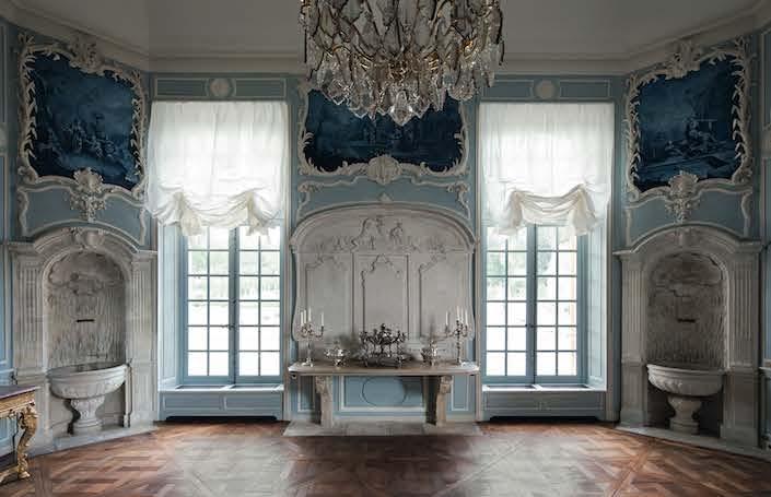 Chateau de Villette dining room