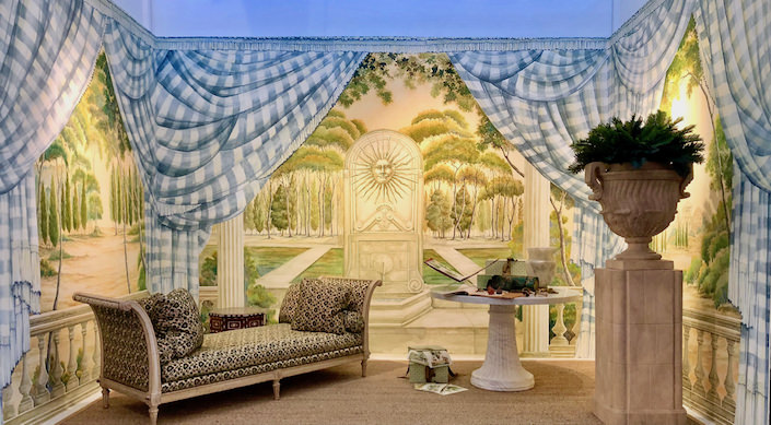 Charlotte Moss vignette with de Gournay at the San Francisco antiques show