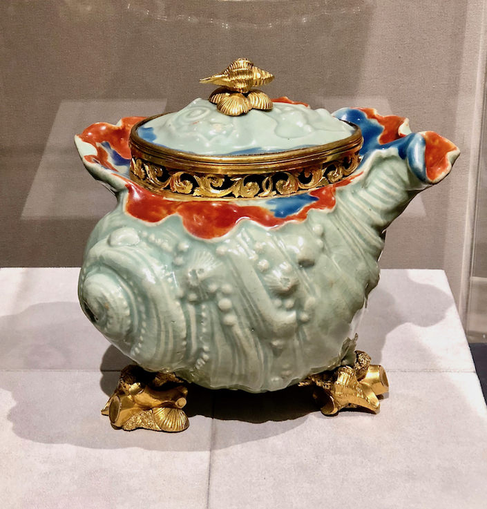Galerie Kugel potpourri bowl at TEFAF New York Fall 2018
