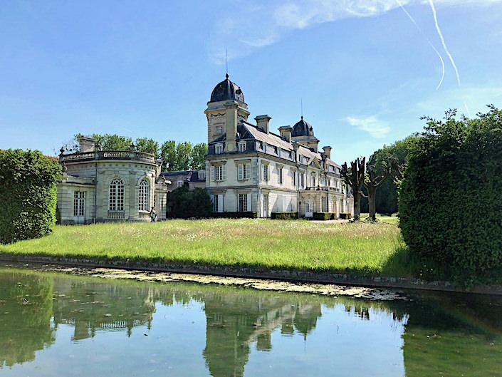 Timothy Corrigan Chateau de la Chevallerie