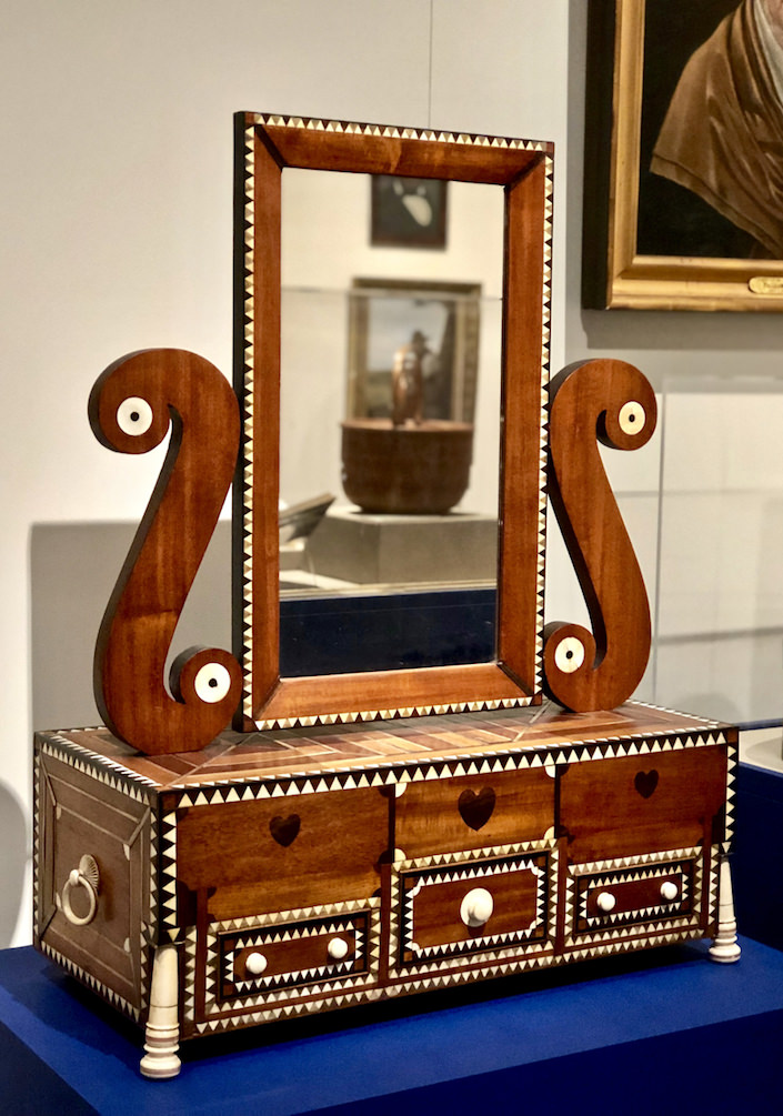 19th c. Nantucket dressing case at the NHA loan exhibit at the 2019 Winter Show
