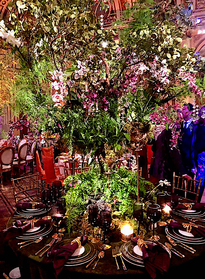 Craig & Co Orchid Dinner table