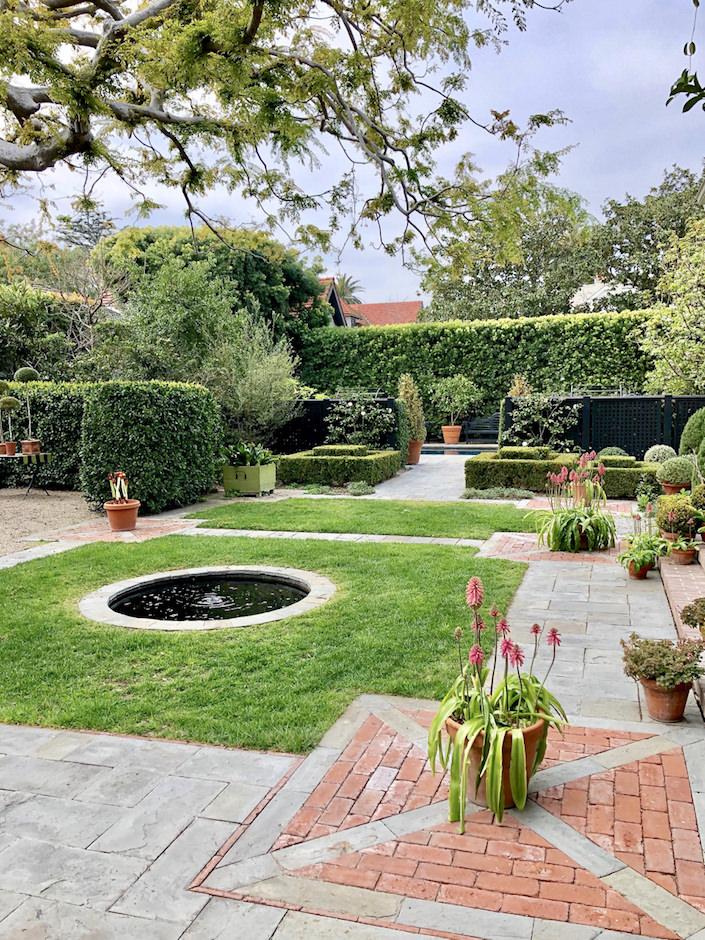Suzanne Rheinstein garden