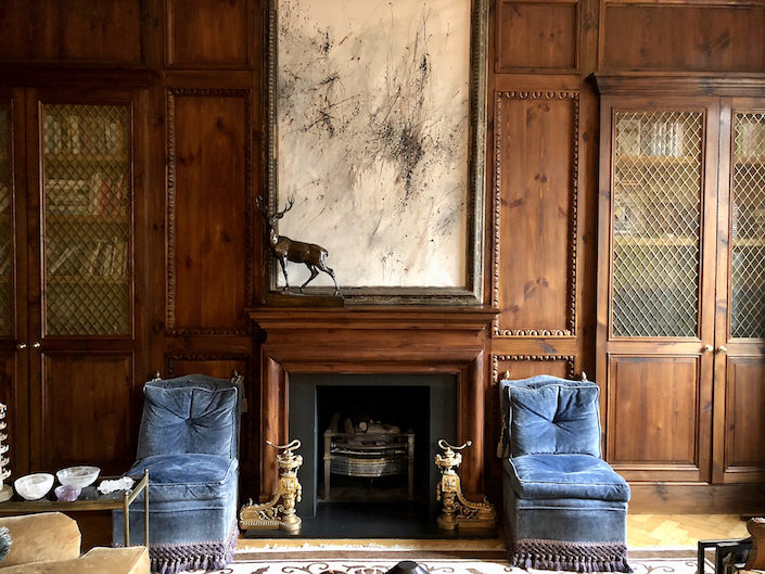 Paolo Moschino & Philip Vergeylen London sitting room via Quintessence-1