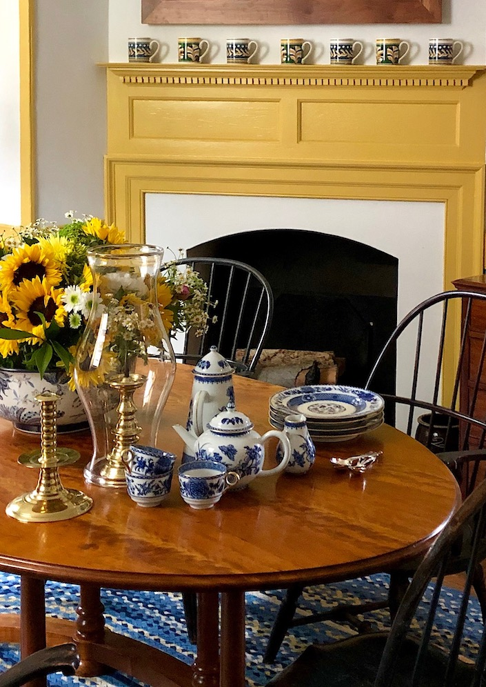 Williamsburg Imperial blue china by Mottahedeh in Anthony Baratta Colonial Williamsburg home