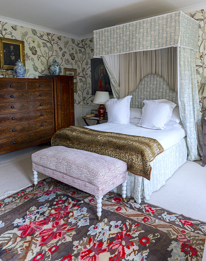 Penny Morrison Wales guest bedroom, photo Stacey Bewkes for Quintessence
