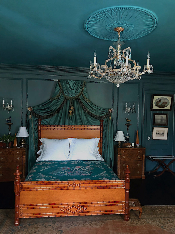 Susan and Will Brinson guest bedroom via Quintessence