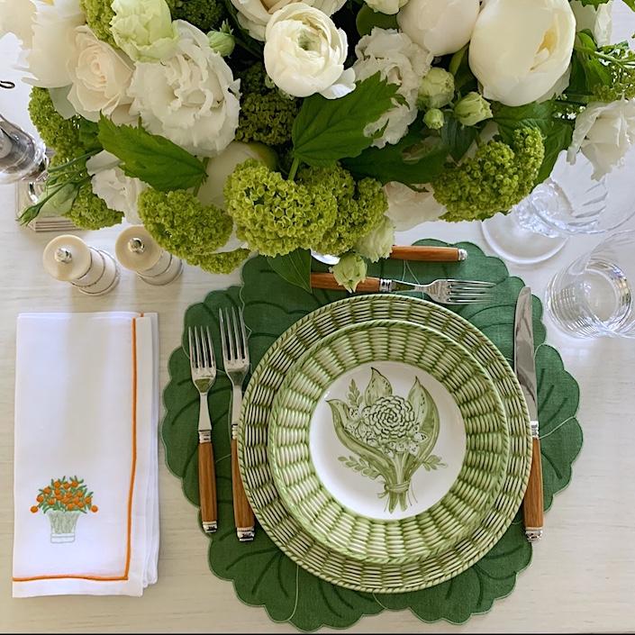 Everyday Elegance Basket Bouquet Porcelain Plates