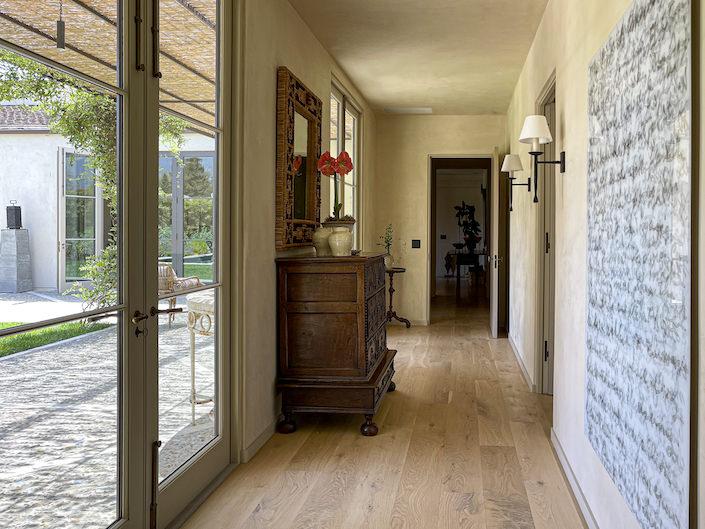 Suzanne Rheinstein Montecito house hall