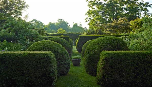 Duckhill in Outstanding American Gardens