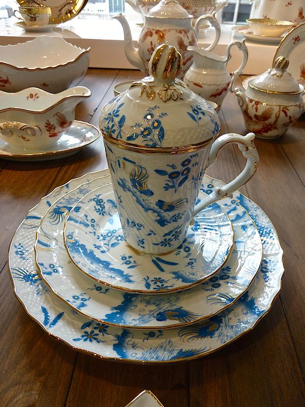 Ginori Oro di Doccia covered cups