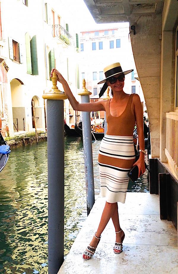 Giovanna Battaglia in straw gondolier hat W