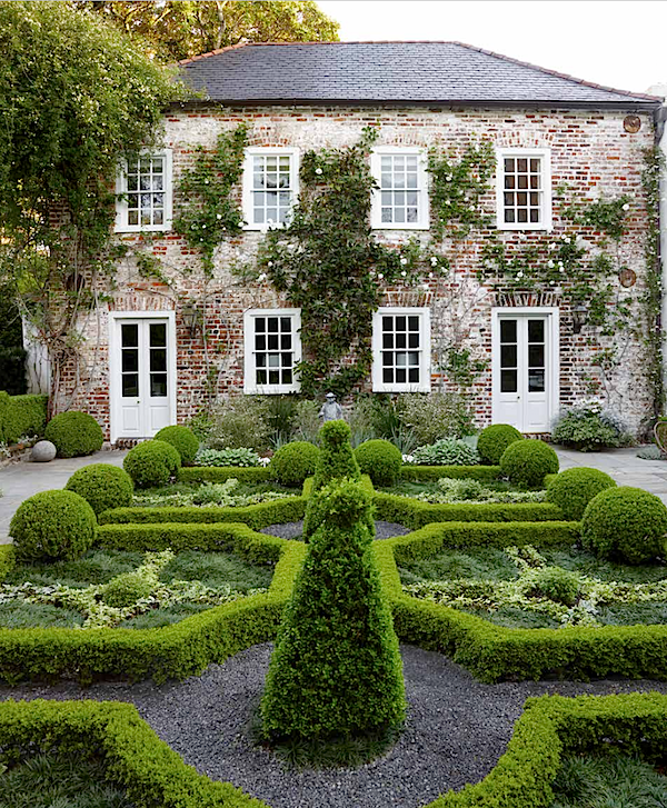 Lenhardt garden in Outstanding American Gardens