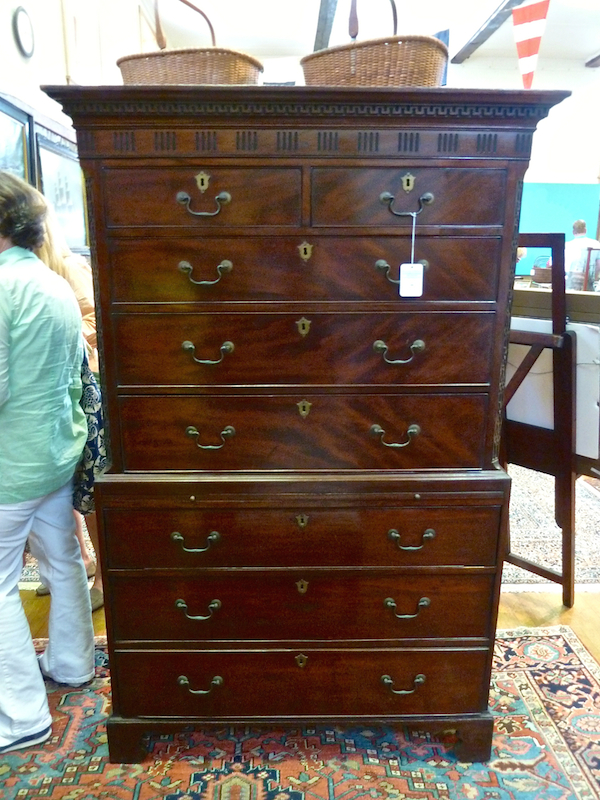 George III chest on chest at Rafael Osona auction