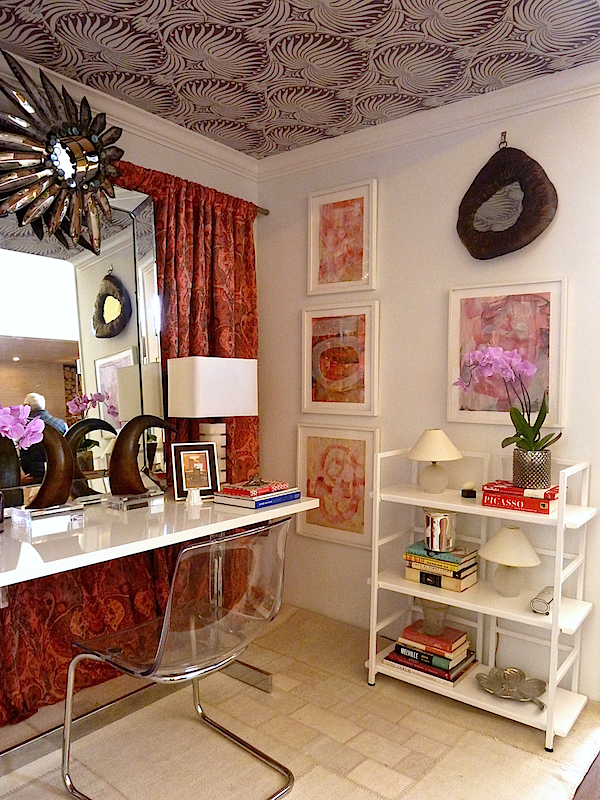 Tara Seawright vignette in the Rooms with a View designer showhouse